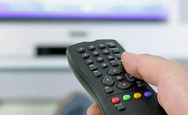 Si bëhet lidhja prej një reciever-i ne dy televizione