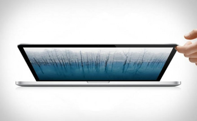 """10 senzorë të ujit në LapTopin e ri """"MacBook Pro"""""""