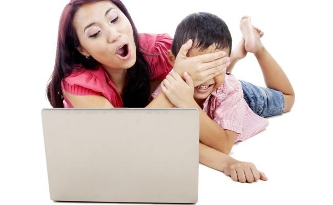 Mbroni fëmijët tuaj nga Interneti!