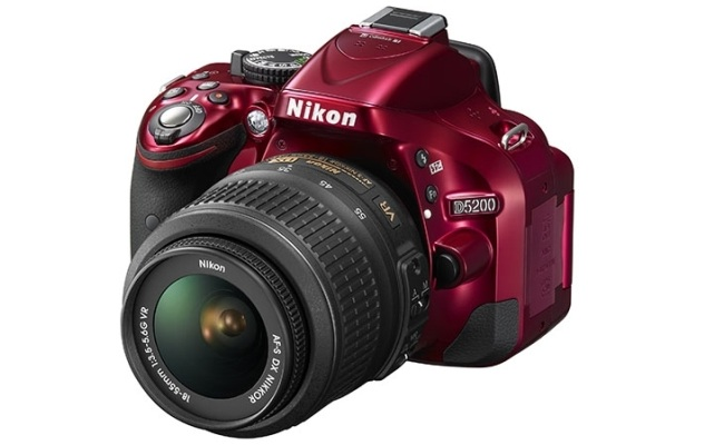 Nikon lanson aparatin DSLR D5200 me 24-megapixel