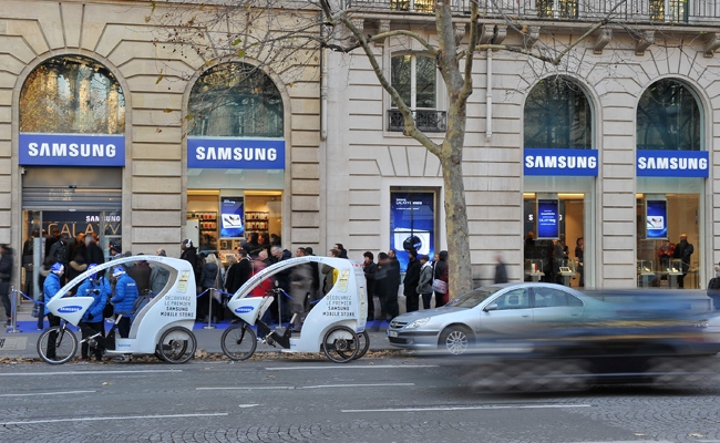 Samsung hap dyqan të ri në Paris