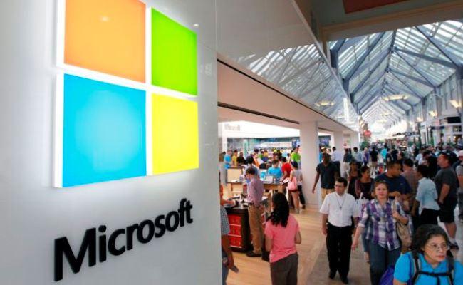 Microsoft shet 60 milion licenca të Windows 8
