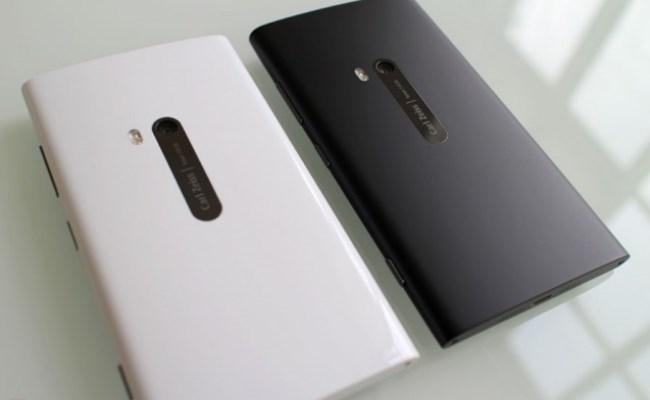Nokia Lumia arrin rekord në shitje