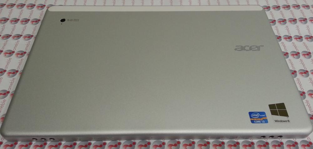 Acer W700 foto e pasme
