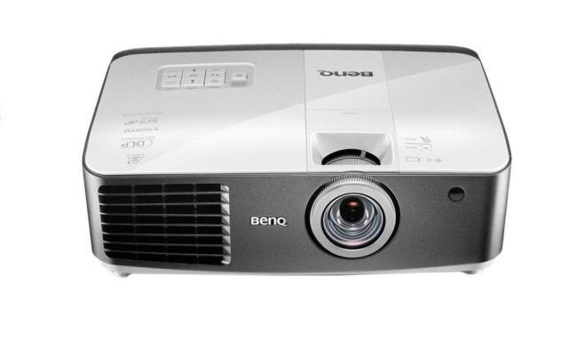 BenQ lanson projektorin W1500 WiFi WHDI 3D