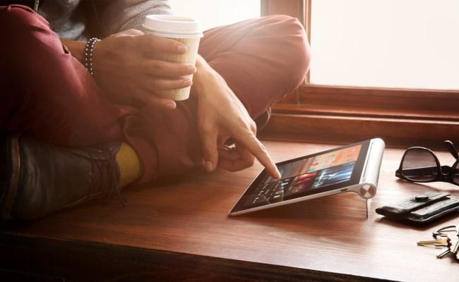 Lenovo lanson tablet që përshtatet në tri pozita