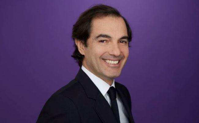 ZLO, Henrique De Castro lë kompaninë Yahoo