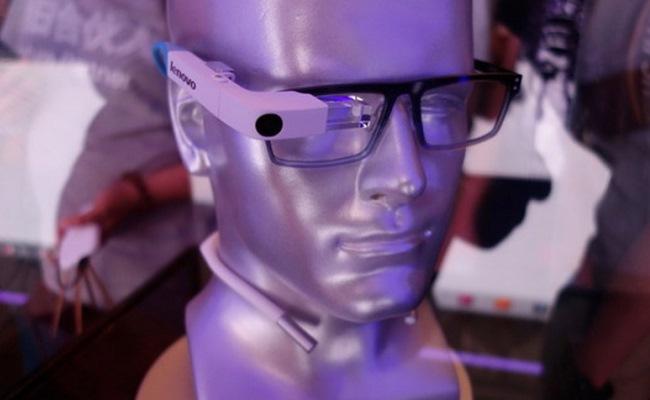Lenovo prezanton pajisjen prototip pa emër, të ngjashëm me Google Glass