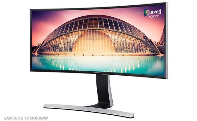 Samsung lanson 5 monitor të ri të lakuar