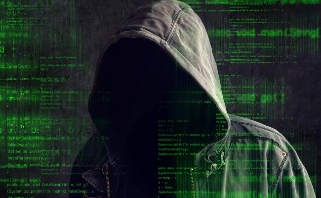 Hakeri pretendon që ndihmoi FBI-në, për te përndjekur hakerin e ISIS-it