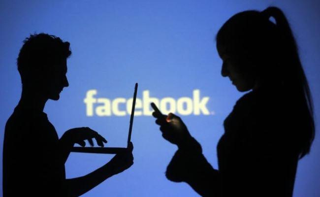 Evropa dëshiron t'i ndaloj adoleshentët të përdorin rrjetet sociale