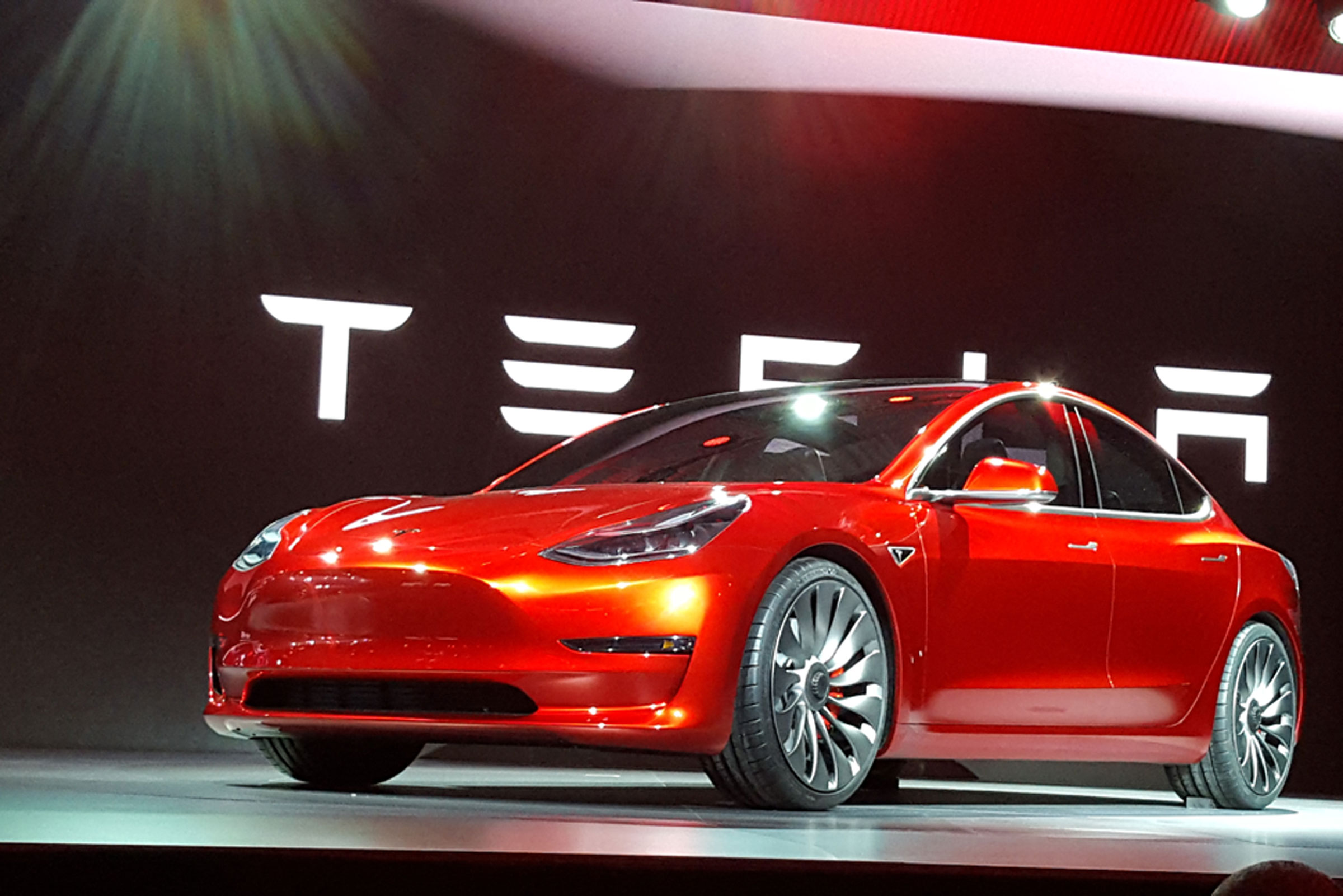 Tesla kalon Ford-in