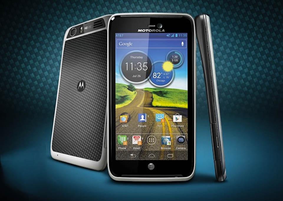 "Smartphone ""Motorola Atrix HD"" zbulohet aksidentalish"