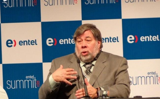 Steve Wozniak adhuron produktet e reja të Microsoft-it