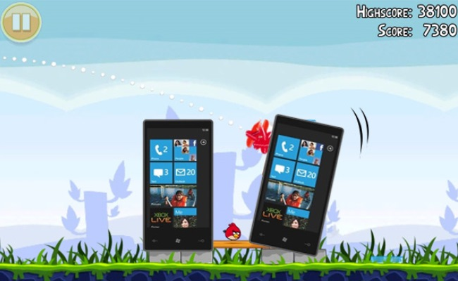 Angry Birds ofron mbi 100 nivele për Windows Phone