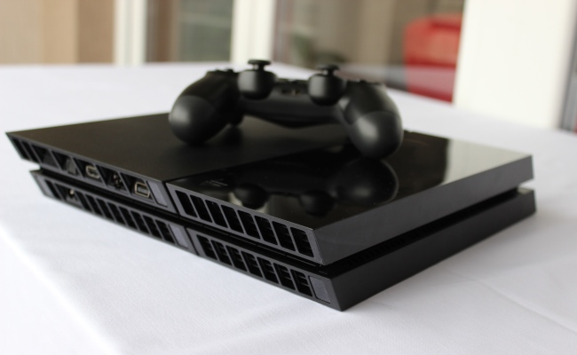 Shitjet e Sony PS4 kalojnë numrin 7 milionë