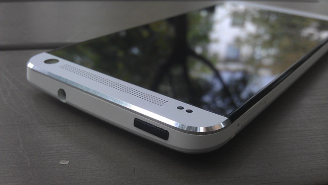 HTC One Pjesa e siperme 3