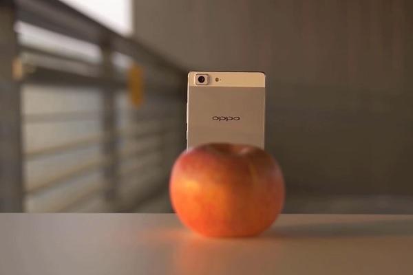 Një video e re paraqet Oppo R5 ashtu siç nuk e kishit menduar