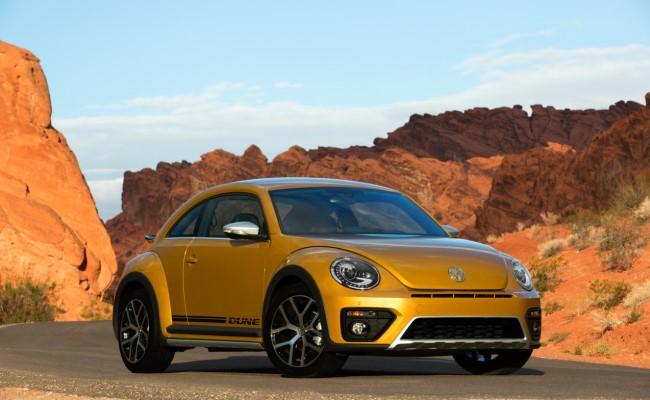 Volkswagen lanson modele të reja të Beetle-it: Denim dhe Dune