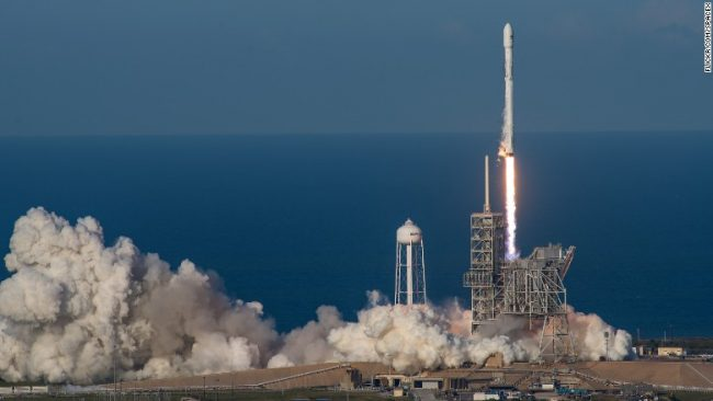 SpaceX bën histori!